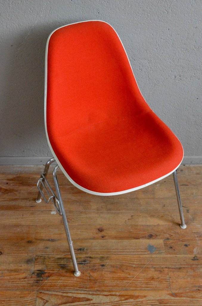 Chaise charles ray eames dsx l 39 atelier belle lurette for Chaise coque eames
