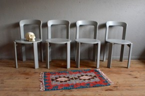 Chaises Bruno Rey design suisse vintage rétro années 60 furturiste empilable bois dietiker antic swiss stackable chairs