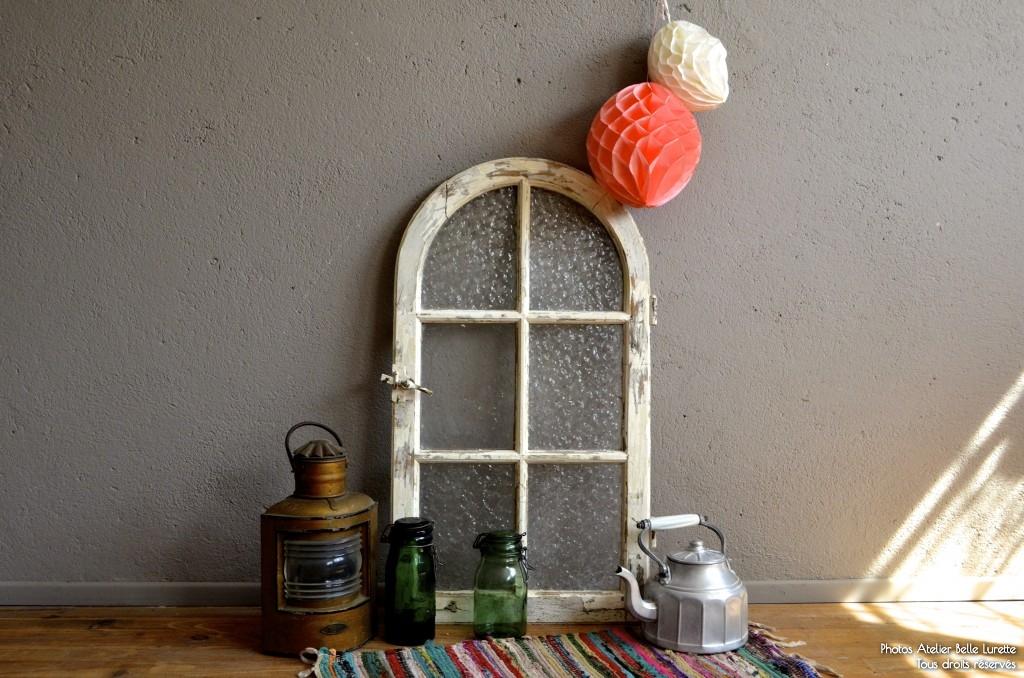 Fenêtre ancienne Romane