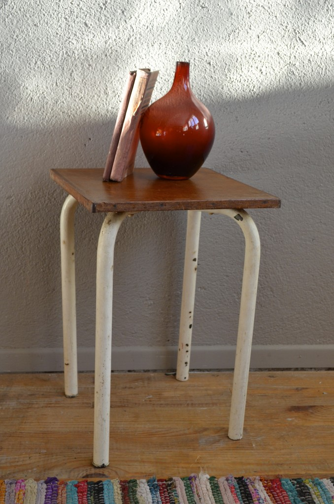 tabouret lorenzo l 39 atelier belle lurette r novation de meubles vintage. Black Bedroom Furniture Sets. Home Design Ideas