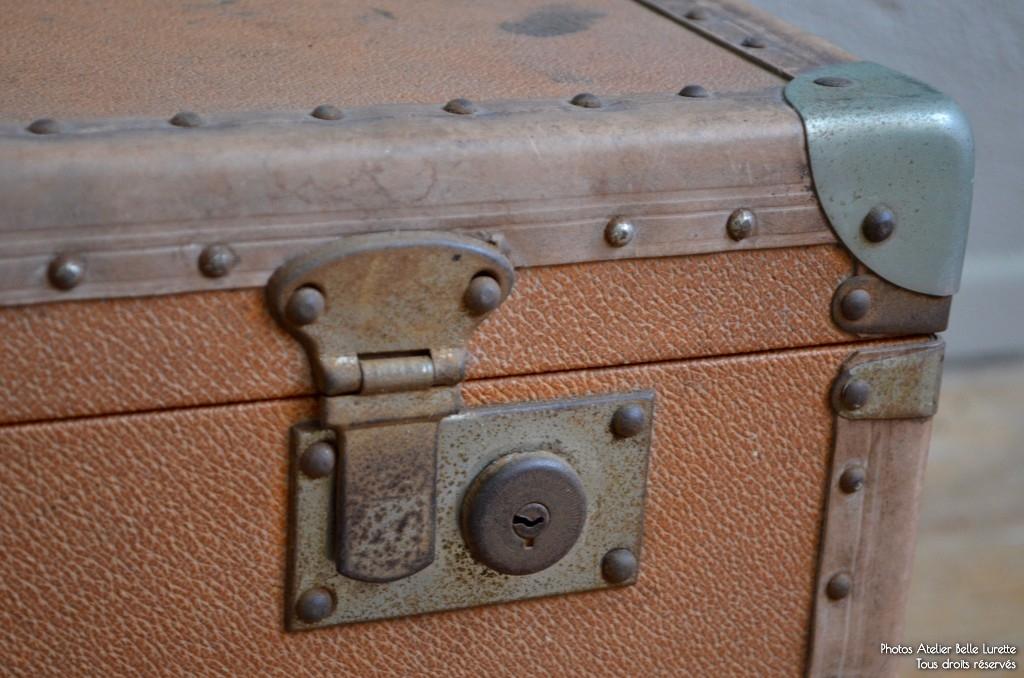 coffre jean pierre l 39 atelier belle lurette r novation de meubles vintage. Black Bedroom Furniture Sets. Home Design Ideas