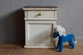 Petit meuble chevet art déco années 20 rustique tiroir bois massif chambre d'enfant table de nuit armoirette art déco