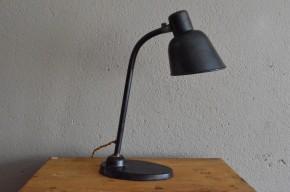 Lampe de bureau Bauhaus métal indus années 30 atelier Wilhelm Wagenfeld Christian Dell antic desk lamp .
