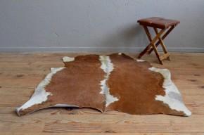Tapis peau de veau vache marron vintage rétro boho chalet bohème rustique déco nature cow skin carpet bohemian rug antic