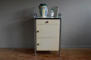 Desserte industrielle meuble de métier métal indus médical meuble de salle de bain atelier années 60 antic medcicine furniture industrial design