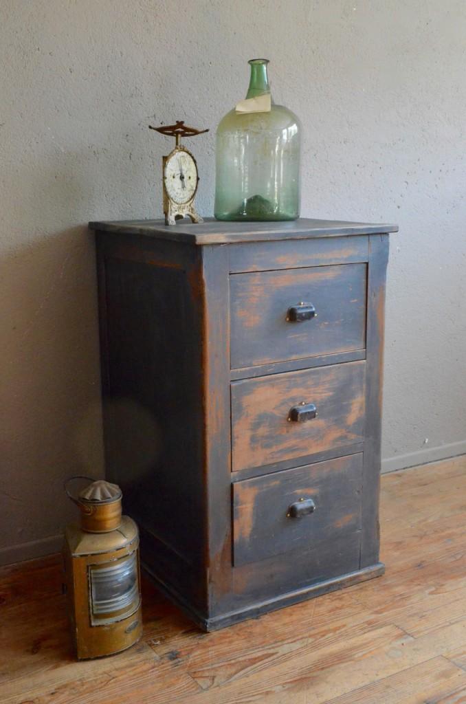 meuble d atelier isma l l 39 atelier belle lurette r novation de meubles vintage. Black Bedroom Furniture Sets. Home Design Ideas