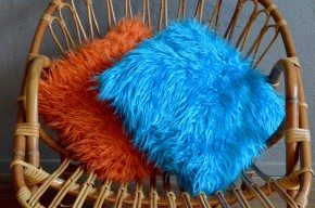 coussin paire orange bleu  vintage pop moumoute orange seventies kitsch Disco Funk 1970