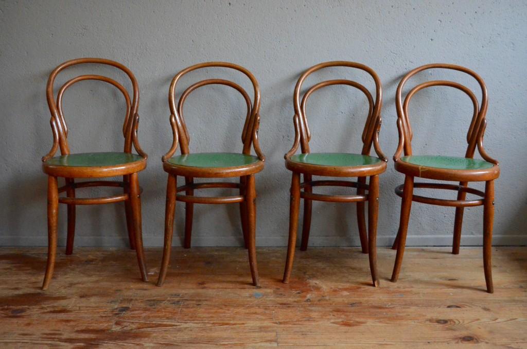chaises bistrot mathilde l 39 atelier belle lurette r novation de meubles vintage. Black Bedroom Furniture Sets. Home Design Ideas
