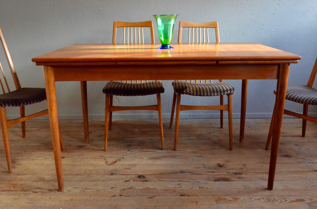 table scandinave rallonge excellent table scandinave blanche u bois pas cher with table. Black Bedroom Furniture Sets. Home Design Ideas