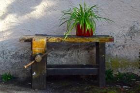 Etabli atelier meuble de métier industriel vintage rétro wabi sabi antic french furniture wooden craft bench