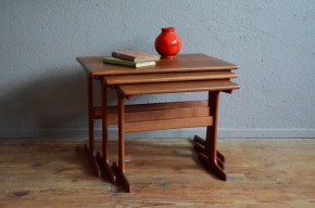 Tables gigognes table basse en teck design scandinave Danemark meuble danois vintage rétro années 60 antic table low scandinavian furniture denmark