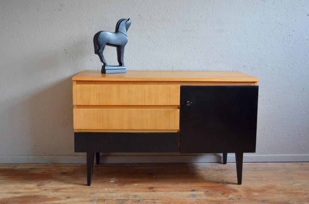 enfilade ninn l 39 atelier belle lurette r novation de meubles vintage. Black Bedroom Furniture Sets. Home Design Ideas