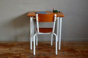 Bureau d'écolier pupitre vintage rétro années 60plateau bois brut piétement tubulaire pop mobilier chambre enfant idée cad'eau