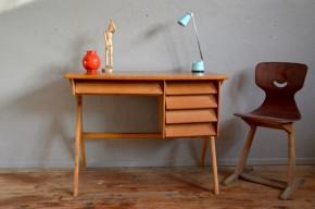 Bureau vintage moderniste enfant façade inclinée pieds compas années 50 scandinave vintage rétro kid wooden desk midcentury french furniture