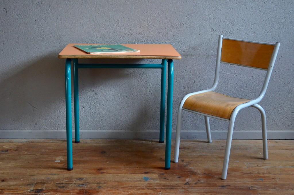Pupitre et chaise décole « abricot » latelier belle lurette