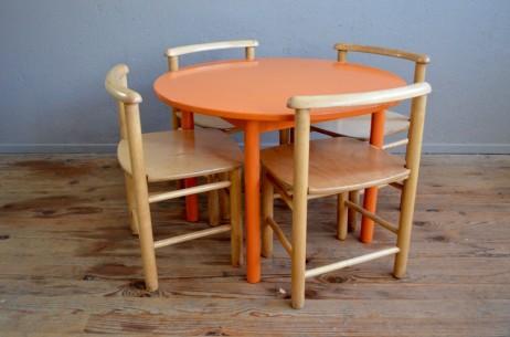 Ensemble table et chaises enfant mobilier Montessori Waldorf design vintage rétro années 60 jeux activités antic set of chairs table wooden kid furniture