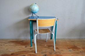 Pupitre bureau d'écolier bleu roi  et sa chaise vintage rétro années 70 formica piétement  chambre enfant bricolage dessin