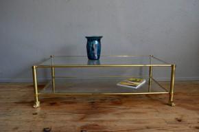 Table basse de salon laiton et verre vintage patte de lion ancien années 1970 brillant cuivre dans le style français maison Charles Baguès Pierre vandel GUY LEVEFRE maison Jansen