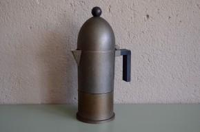 Cafetière italienne gris métalisé memphis  design Alessi La Cupola Aldo Rossi Années 80 vintage rétro culte coffee pot italian design