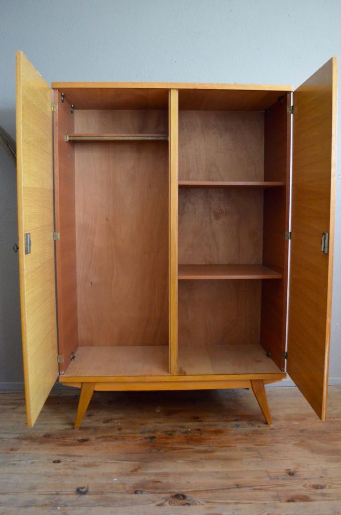 armoire sonia l 39 atelier belle lurette r novation de meubles vintage. Black Bedroom Furniture Sets. Home Design Ideas