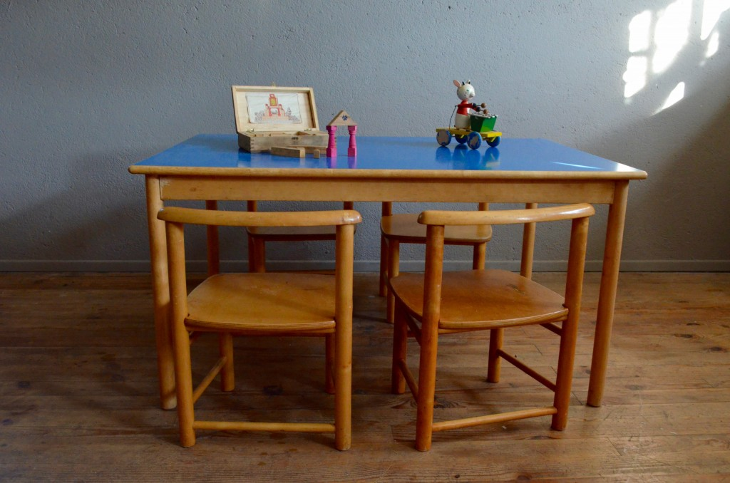 Table & chaises Lester