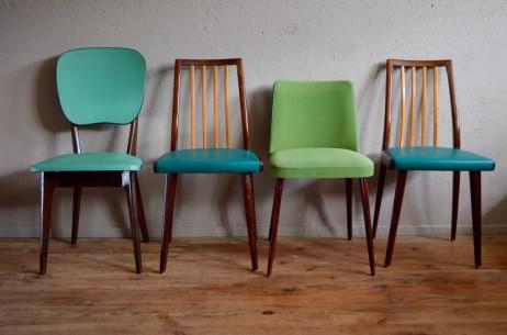 Pistache, sarcelle et malachite, cette série de chaises dépareillées dans les tons vert est fraîche et joyeuse! Barreaux de bois clair, vinyle rockabilly, suédine et pieds compas se mêlent et nous emmènent dans un tourbillon coloré. Pourtant bien différentes, cette série de chaises vintage constitue un ensemble cohérent et pétillant! Ambiance sixties assurée autour du dîner!