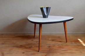 Table guéridon tripode vintage rétro années 60 pop en formica piétement compas rockabilly blanche grise boomerang haricot