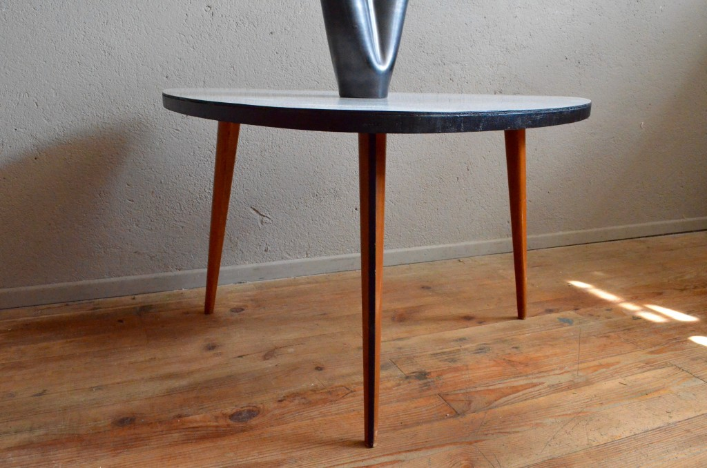 Table Basse tripode Claudie | L\'atelier Belle Lurette, rénovation de ...