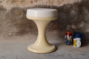 Tabouret Emsa plastique space age piétement tulipe années 70 seventies pop blanc space age hocker