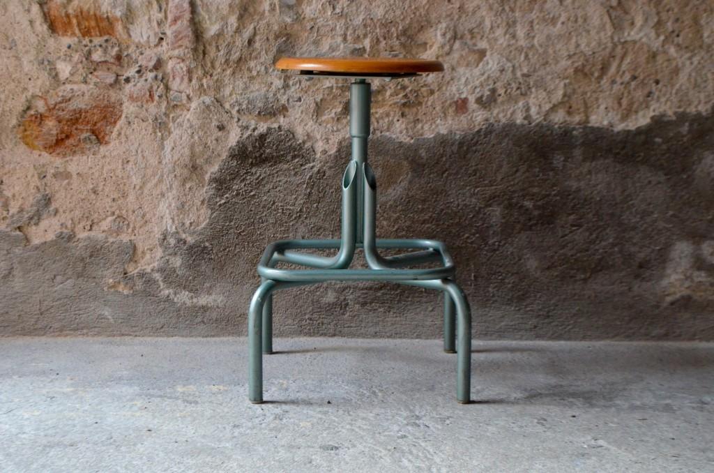 Tabouret d atelier regma l 39 atelier belle lurette r novation de meubles vintage - Tabouret d atelier vintage ...