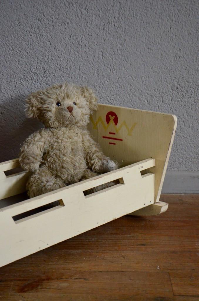 lit de poup e seb l 39 atelier belle lurette r novation de meubles vintage. Black Bedroom Furniture Sets. Home Design Ideas