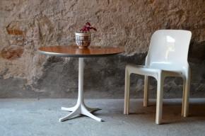 Table basse par Georges Nelson piétement étoile design soixante coffee guéridon blanc