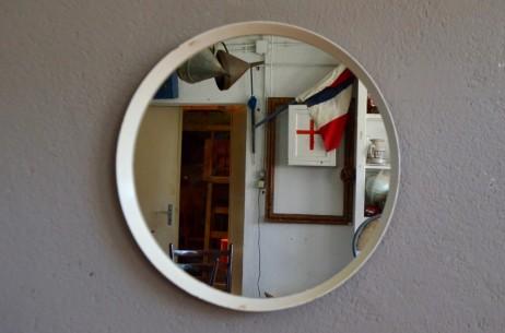 Miroir rond blanc scandinave vintage rétro années 70 space age minimaliste futuriste round mirror