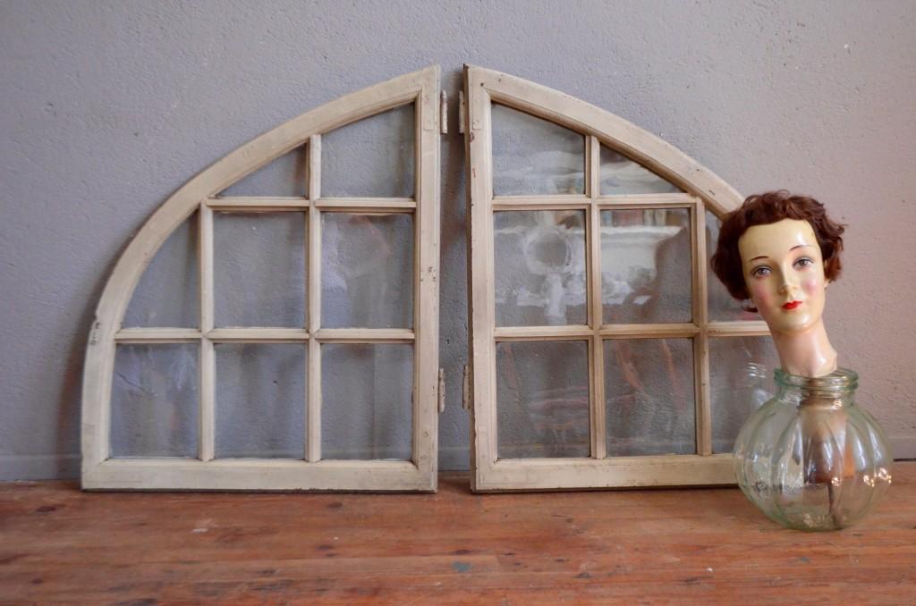 Fenêtres anciennes d'atelier