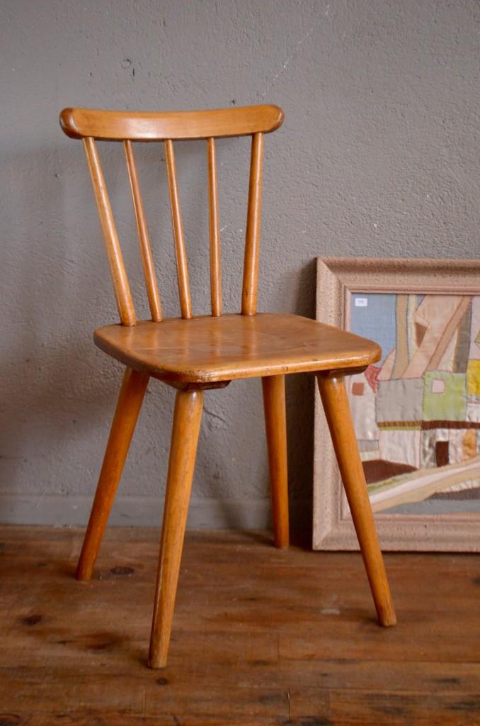 chaise scandinave enfant romy l 39 atelier belle lurette r novation de meubles vintage. Black Bedroom Furniture Sets. Home Design Ideas