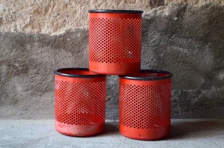 Corbeille poubelle Rouge en métal vintage Rexite Cribbio design Barbieri e Marianelli style 1980 Memphis