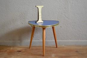Guéridon tripode vintage piétement compas pop années 60 bleu vif