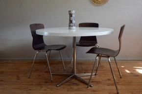 Table scandinave ronde années soixante soixante dix blanche pieds étoile métal mélaminé cuisine design