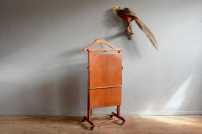 Porte manteau portant valet de chambre serviteur Ico Parisi design italien logo Fratelli Reguitti Chauffant presse pantalon