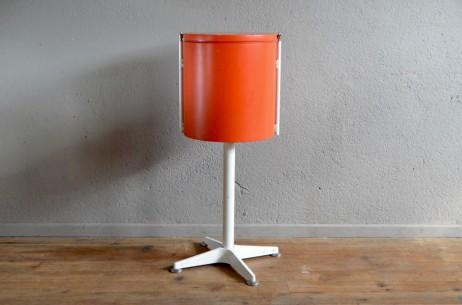 coiffeuse space age 1960 1970 orange vintage miroir design futuriste coloré pied étoile