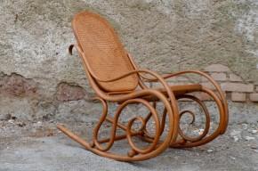 Rocking chair fauteuil à bascule vintage signé Thonet ancien bois courbé 1900 cannée authentique bentwood