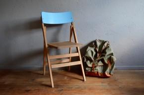 Chaise pliante en bois vintage formica bleu pieds compas moderniste midcentury