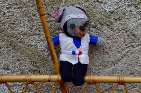 Ces doudous au charme d'antan sont en laine, chaque modèle est unique. A dorloter sans tarder, les bambins apprécieront leur douceur et leur tendresse.
