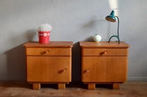 Paire de chevets reconstruction modernisme français années 50 bois clair table de nuit