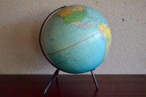 Globe terrestre tripode carton ancien vintage déco géographie bureau enfant décoration Taride Georges Philip and Son