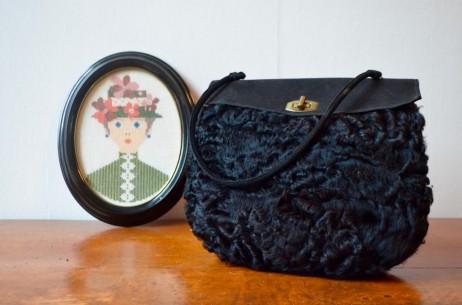 Sac manchon en astrakan années 30 art déco années folles élégante vintage rétro chic muff antic woman bag french accessories