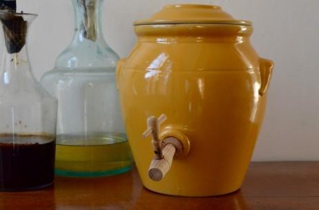 Vinaigrier ancien terre cuite vernissée jaune moutarde brun ancien alsace