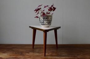 Guéridon tripode vintage piétement compas pop années 50 blanc petite table porte plante