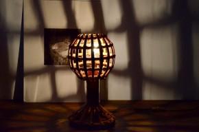 Lampe en rotin des années soixante look vintage bohème décoration rustique chic
