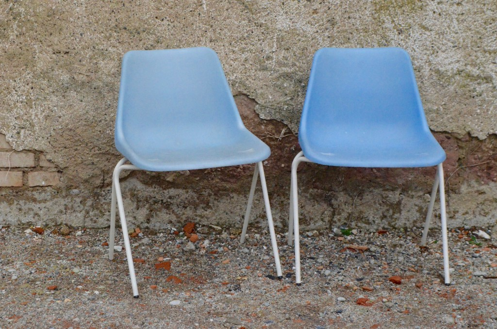 "Chaises ""Polyprop"" par Robin Day"